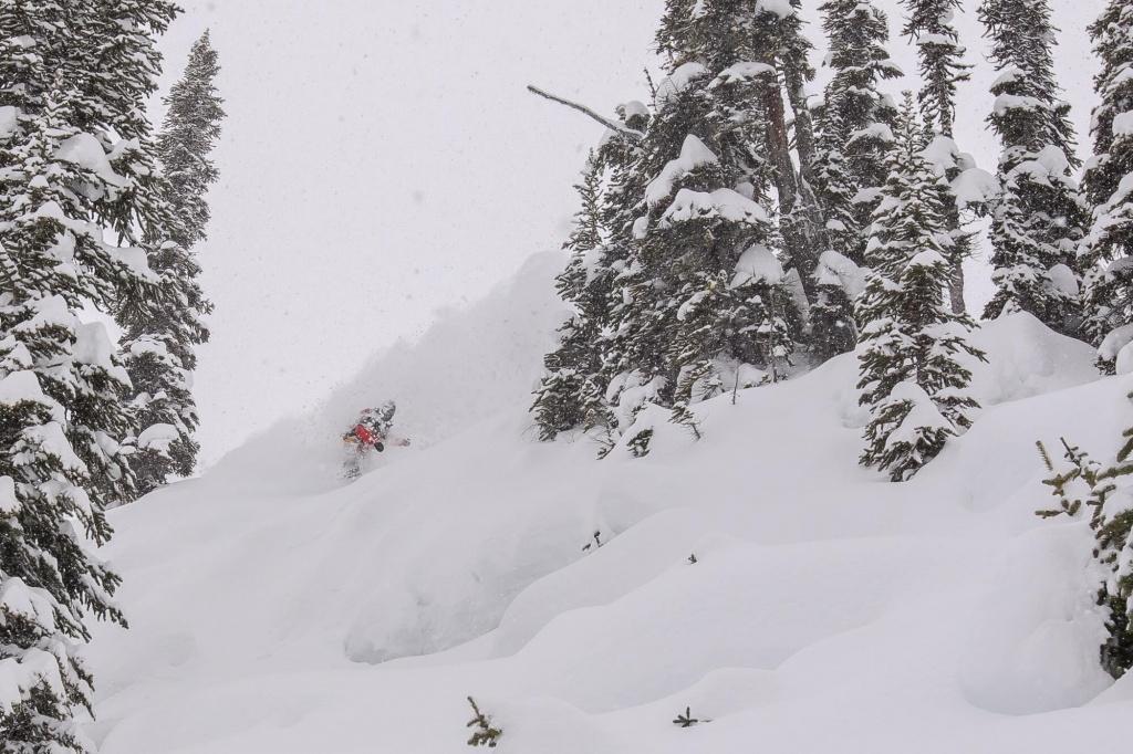 Snowmo'boarders are a frequent sight in Quartz. Jan 18, 2017